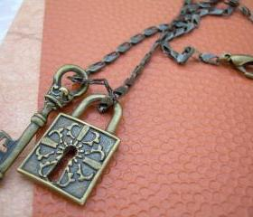 Unisex Womens Mens Necklace Chain Antique Bronze Toned With Lock and Key Pendants Urban Survival Gear USA ABNASST